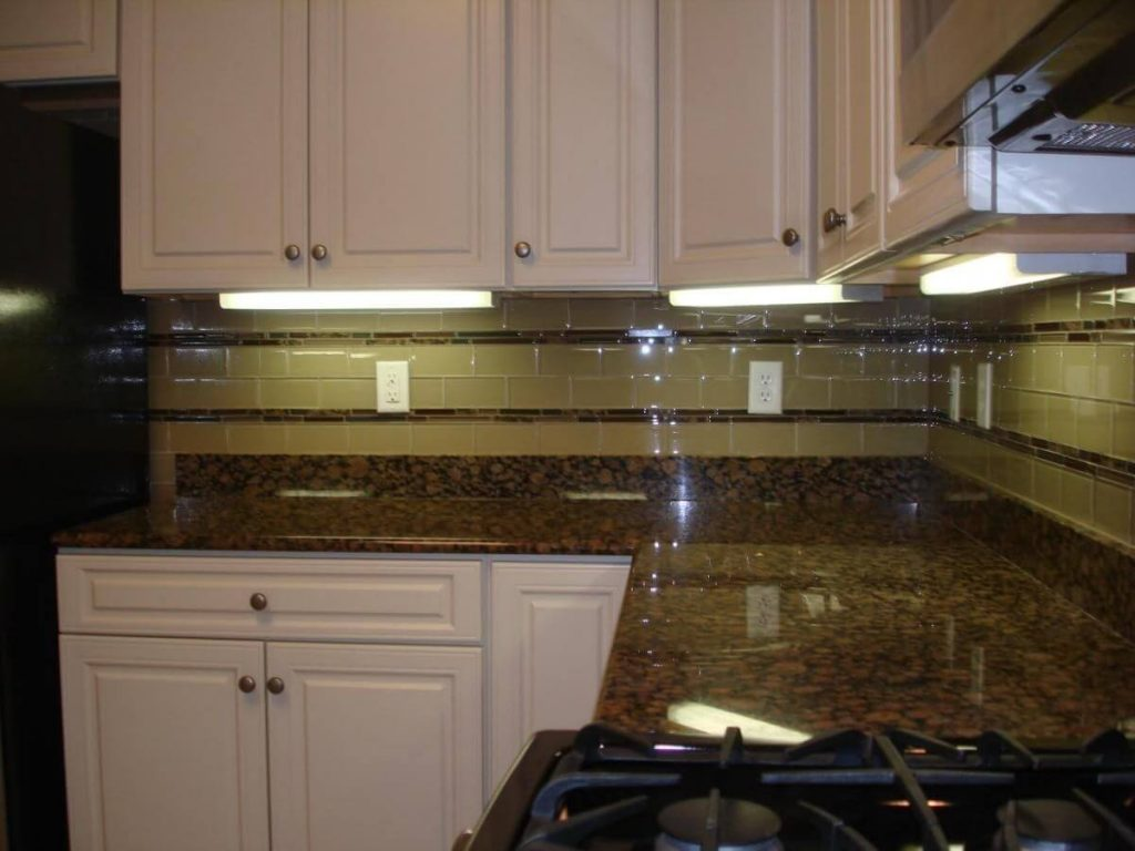 glass kitchen backsplash houston