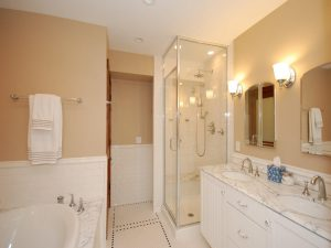Bathroom renovation ideas tiles sinf tubs and showers-min