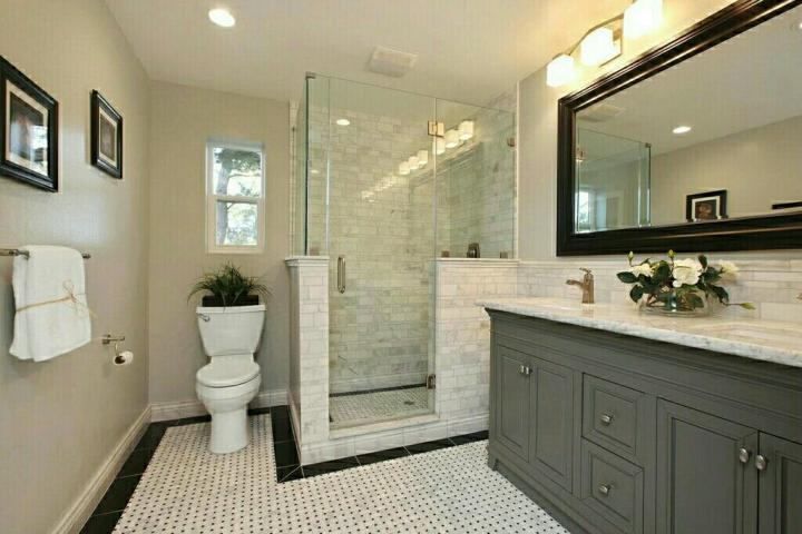 Master bathroom remodeling full featured with glass and flowwer vase